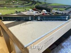 Bachmann class 158 two-car dmu set in GWR livery. DCC chipped and ready