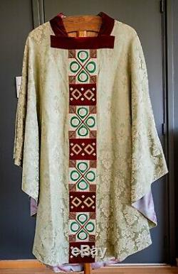 Beautiful set of two green vestments. Cope and Vestment from atelier Pijnappel
