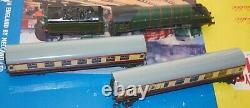 Hornby Dublo Two Rail 2015'the Talisman' Passenger Train Set