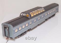 Rivarossi R6994, Ho scale, Set of 4 Union Pacific two tone grey coaches