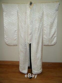 Set of Two White Japanese Wedding Kimono Shiromuku Uchikake & Shirokakeshita