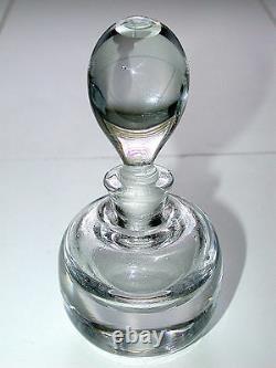 Belle Série Antique De Deux Bouteilles De Parfums Ronds En Verre De Cristal Au Plomb