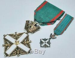 Circa 1960 République Italienne Ordre Du Mérite Commandant Croix Deux Pièces Ensemble De Médailles