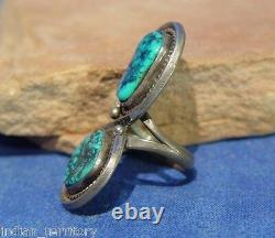 Navajo Sterling Silver Ring With Two Turquoise Settings C. 1970 Taille 7
