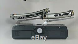 Star Wars Bord Ashoka De Disneyland Galaxy Tano Lightsabers + Deux Lames Gift Set