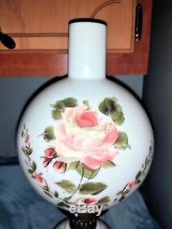 Vintage Set Of Two Roses Matching Peint À La Main Hurricane Autant En Emporte Le Vent De La Lampe