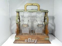 Vintage Wood Tantalus Set Avec Deux Cristal Décanteurs Et En Argent Sterling Balises