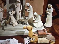Willow Tree Set Nativité Avec Deux Moutons Gratuits Supplémentaires. Voir Description