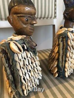 Yoruba Ibeji Figure Cowry Shell Nigeria Gilet D'art Africain, Ensemble De Deux